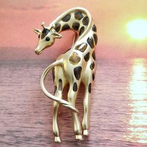 Vintage giraffe brooch gold Fernando originals pin